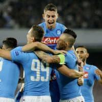 Napoli, show al San Paolo contro il Benfica: gli azzurri sono primi nel