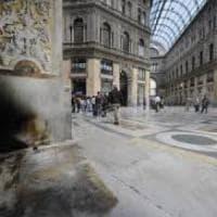 Sos Galleria Umberto, un concerto e una raccolta di firme per salvarla dal