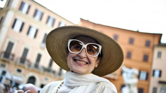 """Carla Fracci e il suo no a Milano: """"A Napoli mi sento a casa, festeggerò il compelanno al San Carlo"""""""