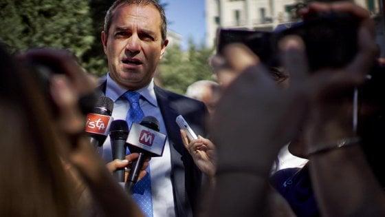 Il sindaco de Magistris vi risponde in diretta su RepLive