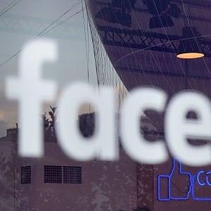 Il suicidio di Tiziana, l'ultima beffa: Fb non assicura la rimozione dei post