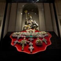 Superpolizza da 60 milioni per il tesoro di San Gennaro, in mostra al Tarì
