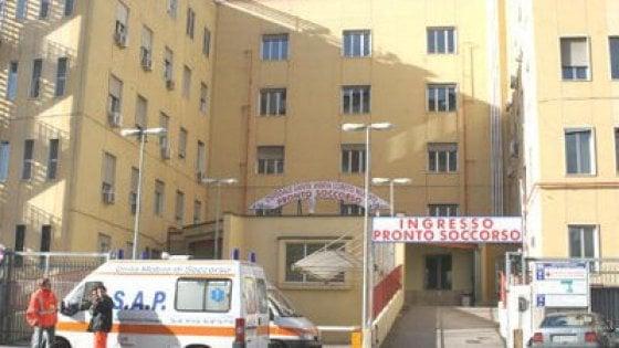 Napoli, lite a scuola: 14enne accoltellato da un compagno
