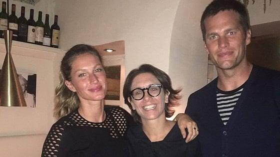 Il re dei quarterback Nfl e la super modella: turisti a sorpresa tra Capri e Positano