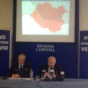 """Vesuvio, piano di evacuazione, De Luca: """"Mettiamo in salvo 700mila cittadini in 72 ore"""""""