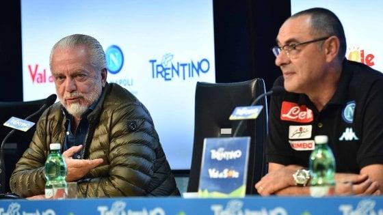 """De Laurentiis sogna lo scudetto. E Sarri: """"Non molliamo"""""""