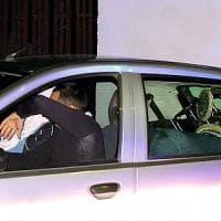 Dramma della follia a Sant'Antimo, sessantenne spara a moglie e figlio