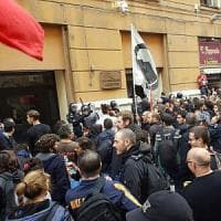 Sciopero Usb a Napoli, corteo e traffico in tilt