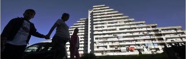 Scampia: la criminalità è in difficoltà, le Vele saranno demolite. E il quartiere punta  su libri, sport e buone notizie