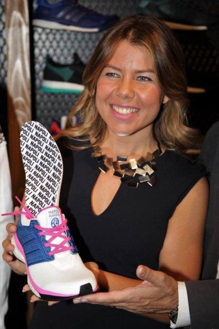 Di Per Targata Adidas Una Runners Scarpa Napoli I 1 L'idea CzwCXFqxS