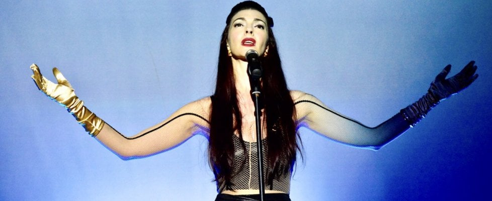 "Chrysta Bell: una ""madonna lynchiana"" a Made in Cloister"