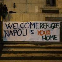 Napoli accoglie i migranti: