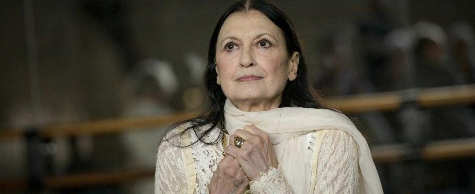 """Carla Fracci, di nuovo in scena a Napoli: """"Il mio segreto, disciplina ed equilibrio"""""""