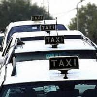 Taxi sharing a Napoli, una corsa a due euro