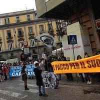 Patto per Napoli, si firma. Renzi in città. Piazza Plebiscito blindata.