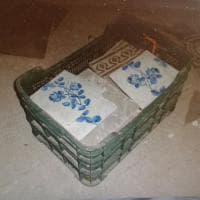 Ruba maioliche preziose da un'antica villa ad Afragola, arrestato