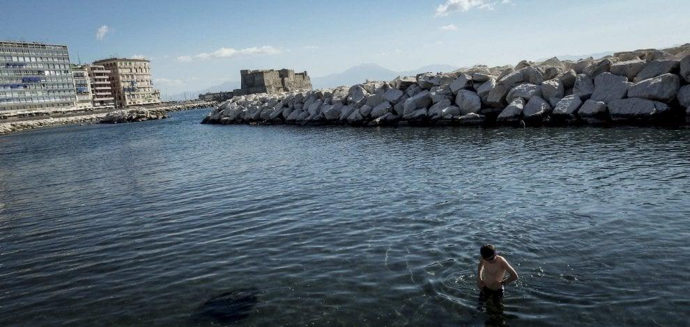 L 39 estate infinita di napoli temperature estive e i - Bagno al mare ...