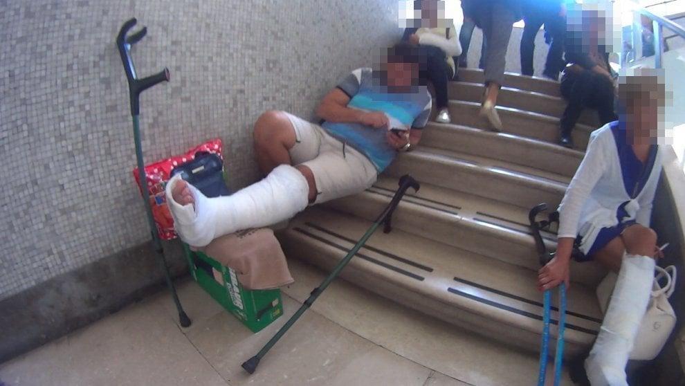 Emergenza Loreto Mare, macchinari in tilt e pazienti sulle scale