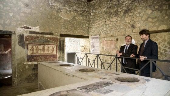 """Il piano del ministro: """"Pompei aperta di notte per rilanciare il turismo"""""""