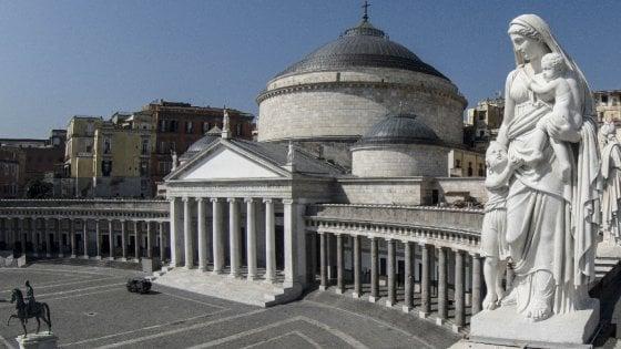 Napoli  set per Hollywood: un kolossal con Joaquin Phoenix a piazza Plebiscito