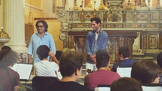 Mika con l'Orchestra Sanitansamble, una canzone per Genny Cesarano