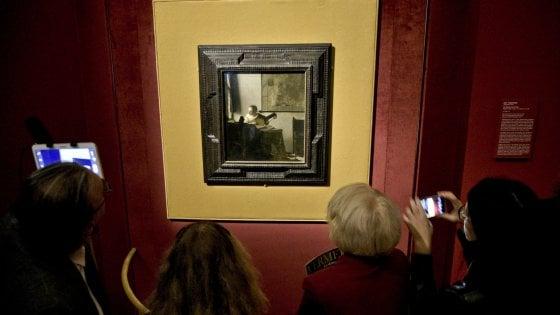 Vermeer a Capodimonte, il fascino della donna strega i visitatori