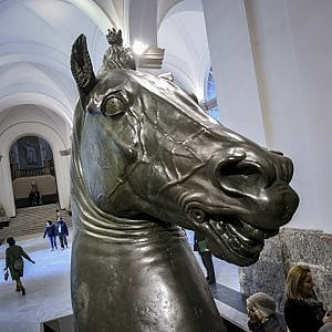 Un'opera di Donatello accoglie i visitatori del Museo archeologico