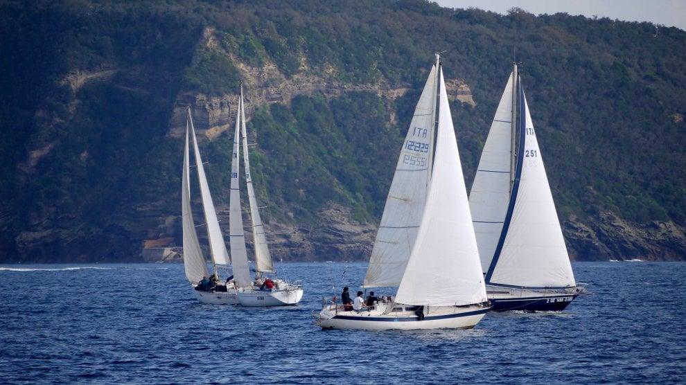 """Al via il campionato di vela """"Isola d'Ischia"""""""