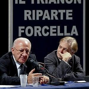 """De Luca: """"Il teatro Trianon è più utile dell'esercito"""""""