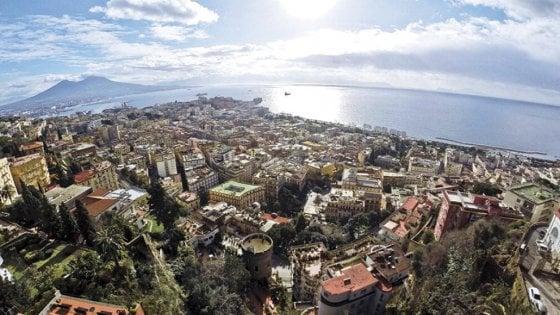 Dalla massoneria all'università: così si decide il Sì e il No in salotti, fabbriche e circoli a Napoli