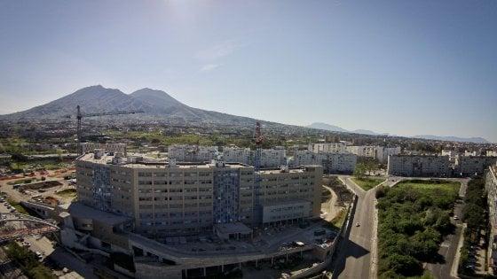 """Diecimila euro per un posto di lavoro all'Ospedale del Mare, politico incastrato da """"Striscia"""""""