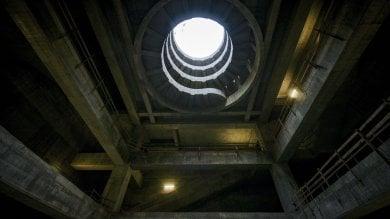 Un grattacielo sotto terra: ecco la stazione Chiaia del metrò a Monte di Dio   foto -     video