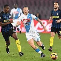 Il Napoli si ritrova al San Paolo: gol e spettacolo contro l'Inter. E Hamsik