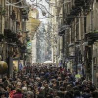 Folla nel centro storico per la domenica dei musei