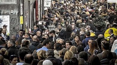 Folla nel centro storico per la domenica  dei musei  foto