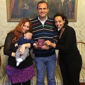 Ruben, il bimbo con due mamme: il Tribunale di Napoli ordina la ri-trascrizione dell'atto di nascita