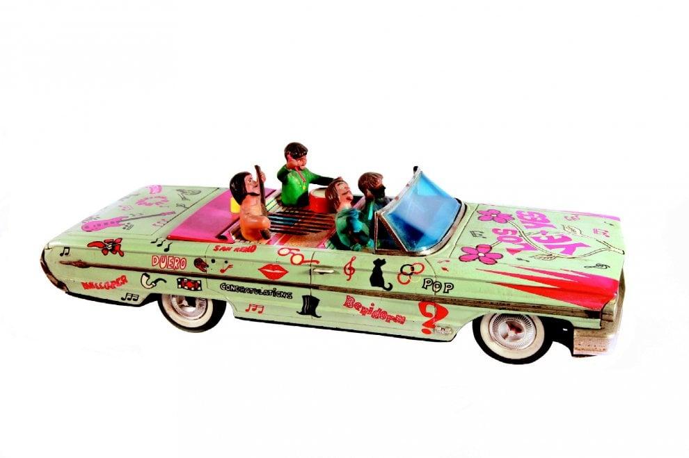 Una mostra sui giocattoli: dai pupazzi del Settecento alla Barbie di Oggi. E c'è anche Gay Bob, il primo giocattolo gay