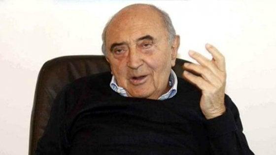 Napoli: incidente stradale per l'ex presidente Ferlaino, è in ospedale