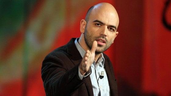 """Saviano: """"Per il sindaco di Napoli il problema non sono i killer che sparano, ma io che ne parlo"""""""