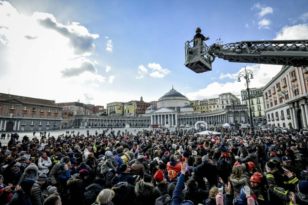 La festa della Befana in piazza Plebiscito