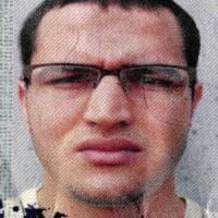 Anis Amri, l'attentatore di Berlino: pronto a comprare mitra a Napoli