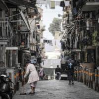 """Napoli, quei bambini perduti nell'affare droga: """"Mamma, il cliente dice che la dose sa di..."""