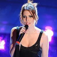 Matrimonio non autorizzato nella Reggia di Caserta: la cantante Silvia Aprile indagata per...