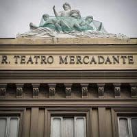 Quattro famiglie abitano nel teatro Mercadante