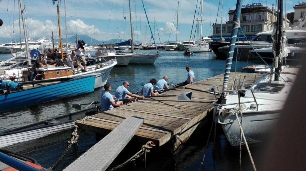 Masterchef approda a Napoli, gli chef remano a Santa Lucia