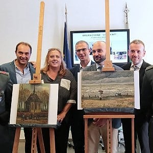 """La pm non va alla mostra dei Van Gogh ritrovati: """"E' diventata una passerella"""""""
