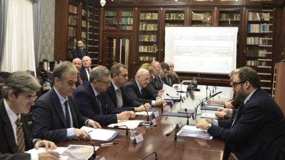"""Bagnoli, verso un accordo il tavolo Governo-Comune. De Vincenti: """"Il sito ha un futuro grazie a Renzi"""""""