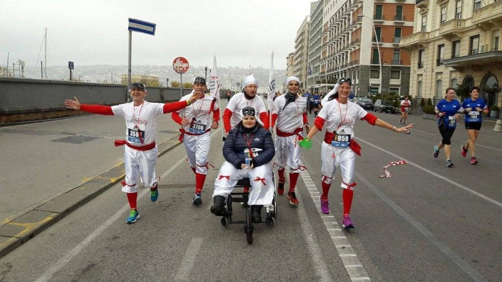 La corsa di Giada, Pulcinella in carrozzina alla mezza maratona di Napoli