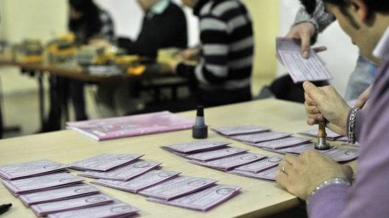 Candidati a loro insaputa, indagato un consigliere comunale del Pd