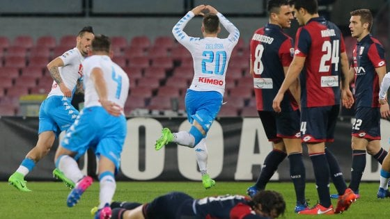 Napoli-Genoa 2-0: Zielinski e Giaccherini affondano il Genoa, ma che Mertens!